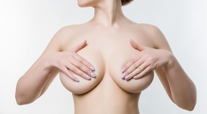 Implanturi mamare: solutie salina vs. silicon