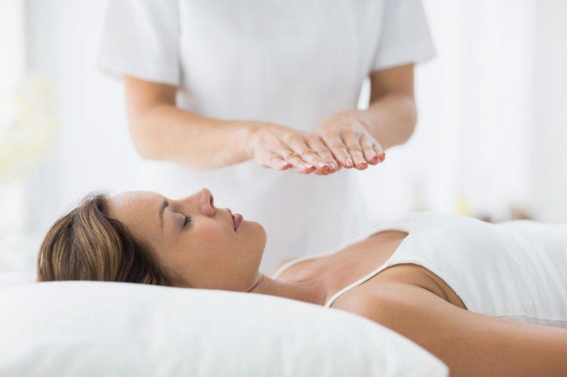 Care sunt avantajele terapiei Reiki?