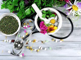 La-ce-ajuta-medicina-alternativa